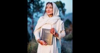 কানাডার জনপ্রিয় মডেলের ইসলাম ধর্মগ্রহণ