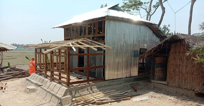 কলাপাড়ায় সংখ্যালঘুর জমিতে ঘর নির্মাণের অভিযোগ