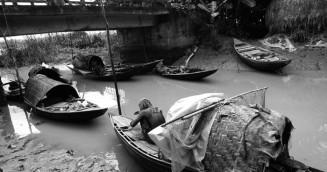 জেলেপল্লীতে মানবেতর জীবন